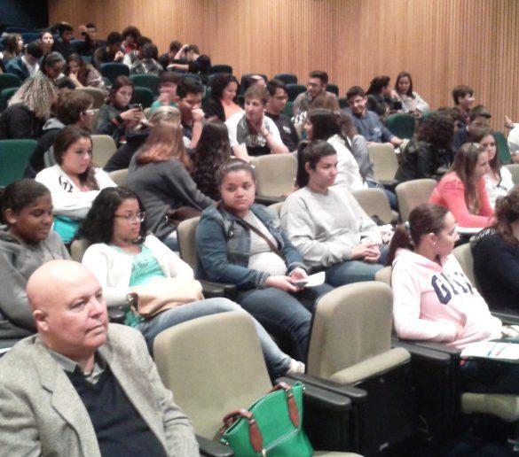 11/06/2015 – Fatep participa de Feira de Profissões na Etec Deputado Ary de Camargo Pedroso