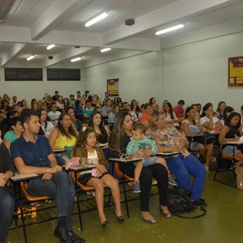 28-10-2015-ALUNOS DE RH RECEBEM CERTIFICADOS PARCIAIS  - FOTO 2