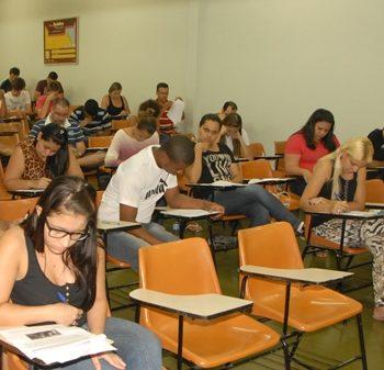 03/11/2014 - GALERIA - FATEP DIVULGA APROVADOS AMANHÃ (4) - FOTO 15