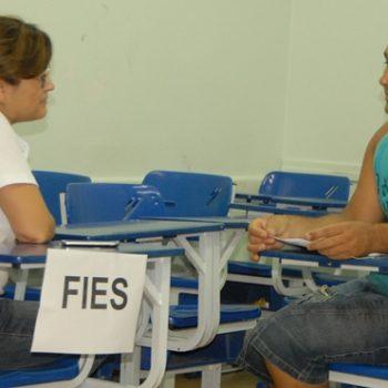 03/11/2014 - GALERIA - FATEP DIVULGA APROVADOS AMANHÃ (4) - FOTO 24