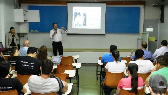 21/10/2014 – GALERIA – Fatep recebe palestra sobre mercado empresarial