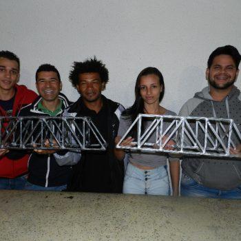 16-06-2016-ALUNOS PARTICIPAM DO DESAFIO PONTE DE MACARRÃO DA FATEP - FOTO 7