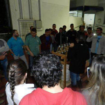 16-06-2016-ALUNOS PARTICIPAM DO DESAFIO PONTE DE MACARRÃO DA FATEP - FOTO 15
