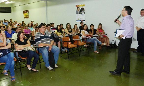 20/03/2014 – Palestra sobre eSocial lota auditório da Fatep