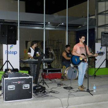 09-08-2016-COM MÚSICA, FATEP RECEBEU ALUNOS NO NOVO CAMPUS - FOTO 8