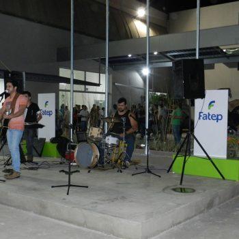 09-08-2016-COM MÚSICA, FATEP RECEBEU ALUNOS NO NOVO CAMPUS - FOTO 9