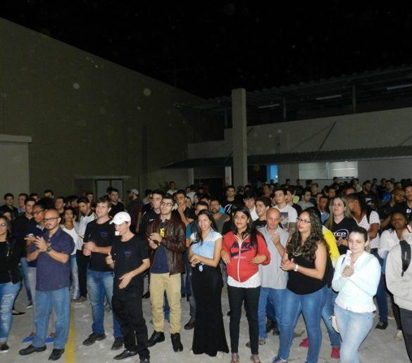 09-08-2016-Com música, Fatep recebeu alunos no novo campus
