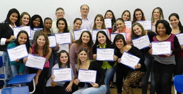 16/10/2014 – Alunos de RH da Fatep recebem certificados parciais para ajudar a impulsionar carreiras