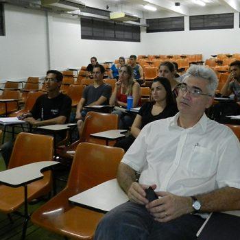 """21-10-2015-PALESTRA ORIENTA SOBRE """"PLANEJAMENTO LOGÍSTICO DE EXPORTAÇÃO"""" - FOTO 3"""