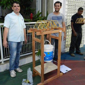 26-11-2015-ALUNOS DE ENGENHARIA CIVIL DA FATEP ENFRENTAM O DESAFIO PONTE DE MACARRÃO - FOTO 7