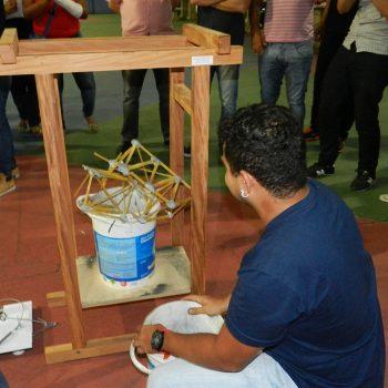 26-11-2015-ALUNOS DE ENGENHARIA CIVIL DA FATEP ENFRENTAM O DESAFIO PONTE DE MACARRÃO - FOTO 18