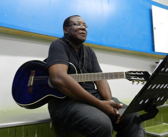 """28/02 – """"Cantando a Vida"""" é tema de segunda aula inaugural da Faculdade Aberta da Terceira Idade"""