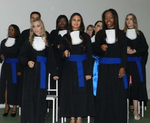 30/07 – Alunos de RH recebem diplomas