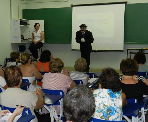 27/02 – Primeira aula inaugural da Faculdade Aberta da Terceira Idade traz reflexões sobre texto de Charles Chaplin