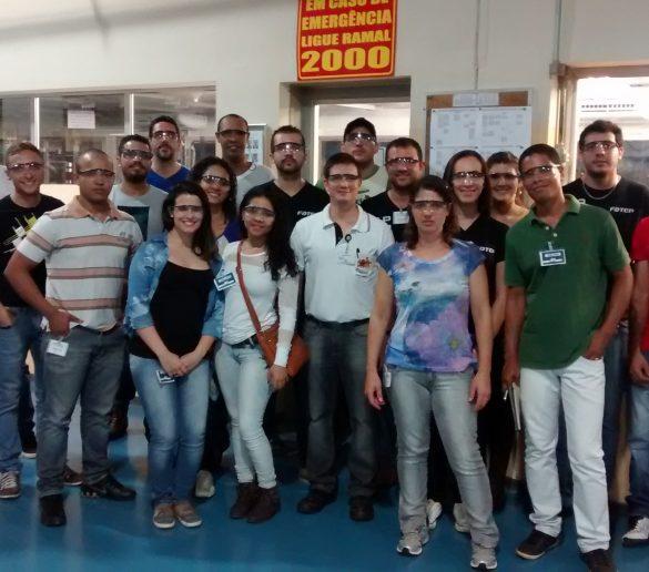 05/05/2015 – Tecnólogos de Gestão Industrial da Fatep conhecem processo de produção da Delphi