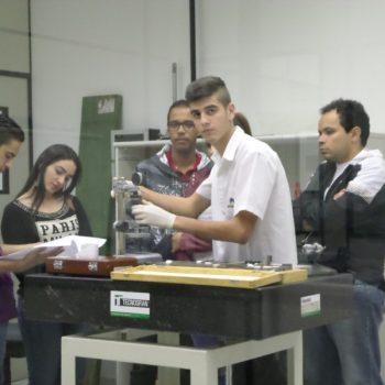 25-05-2016-ALUNOS DE TECNOLOGIA DA QUALIDADE APRIMORAM O APRENDIZADO NA AFERITEC - FOTO 2