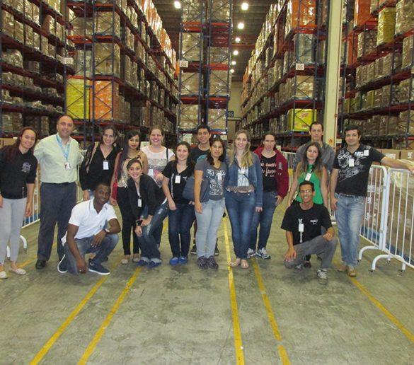 16/10/2015 – Alunos de Logística participam de visita técnica à fábrica da 3M
