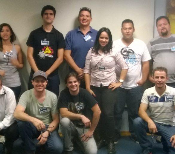 07/11/2014 – Alunos de Produção Industrial da Fatep visitam instalações da Delphi