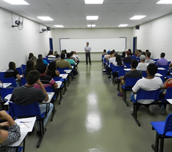Fatep divulga inscrições para pós e descontos de 50% para alunos com mais de 50 anos