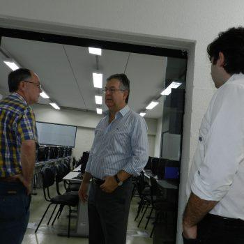Foto 2 - Prefeito Barjas Negri conhece as instalações da Fatep Piracicaba