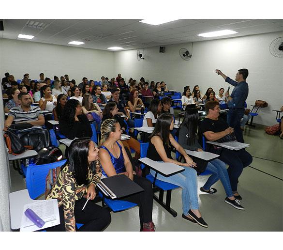 COBERTURA FOTOGRÁFICA – Palestra e entrega de certificados parciais do curso de RH