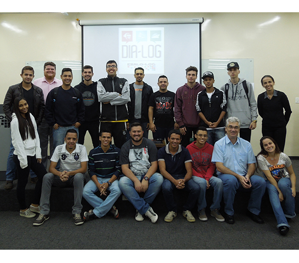 Alunos de Logística da Fatep participam de projeto do Grupo Esalq-Log
