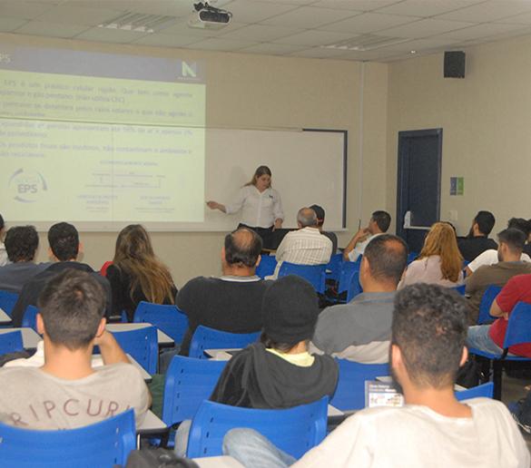 Fatep promove palestra sobre sistema alternativo de edificações para os alunos de Engenharia Civil