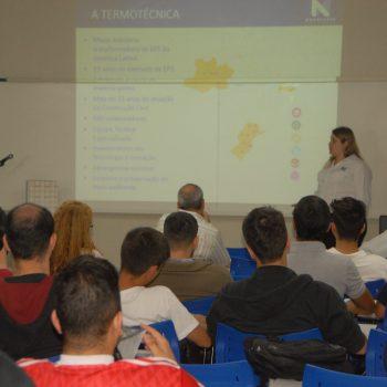 F1 - Palestra na Fatep sobre Painéis Monolíticos de Concreto, ministrada por Fabrícia Fernanda Benetti,