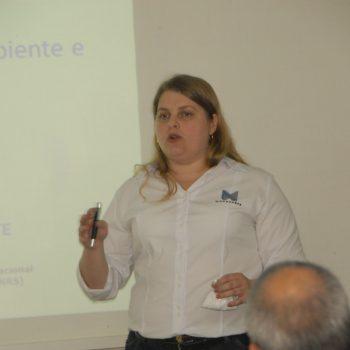 F5 - Palestra na Fatep sobre Painéis Monolíticos de Concreto, ministrada por Fabrícia Fernanda Benetti,