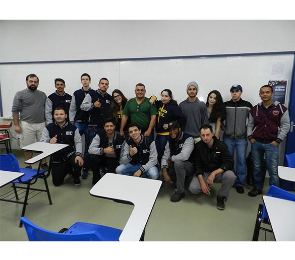 Ponte de macarrão desafia alunos do curso de Engenharia Civil da Fatep