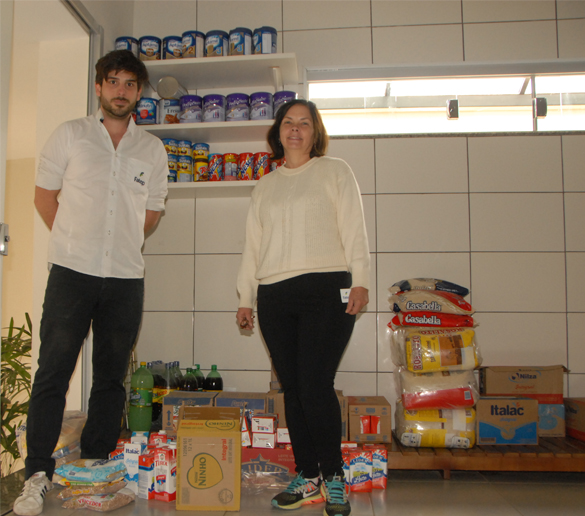 Fatep entrega 58 litros de leite e alimentos para a Vaccip