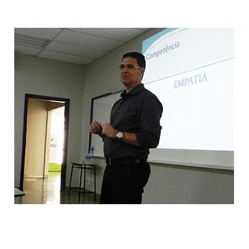 F2 - Ricardo Fedrizzi, especialista em gestão de pessoas