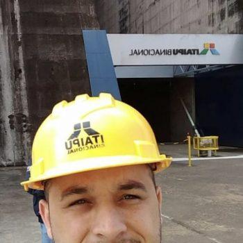 Foto 2 - Abimael Avelino Passos, aluno do 7º semestre de Engenharia Civil da Fatep