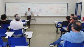Debate sobre educação continuada encerra Ciclo de Estudos
